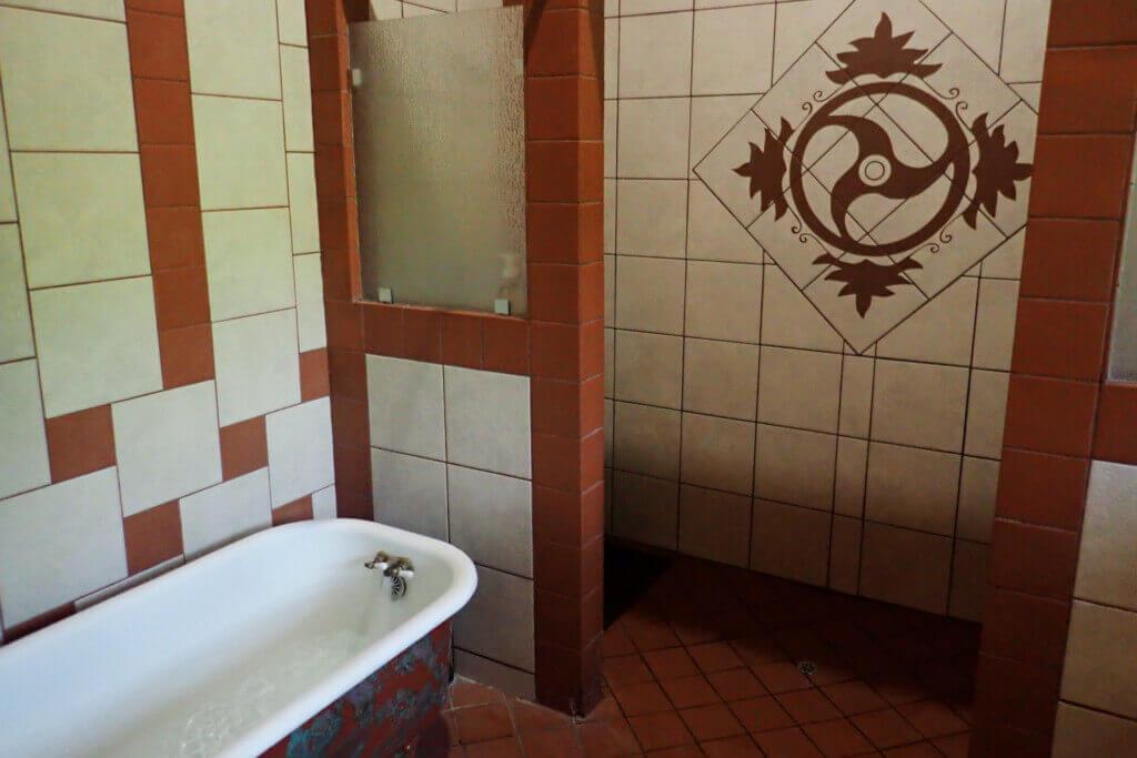 Bathhouse 3