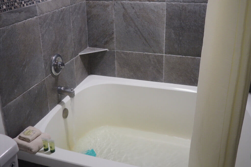 Indoor Tub 1