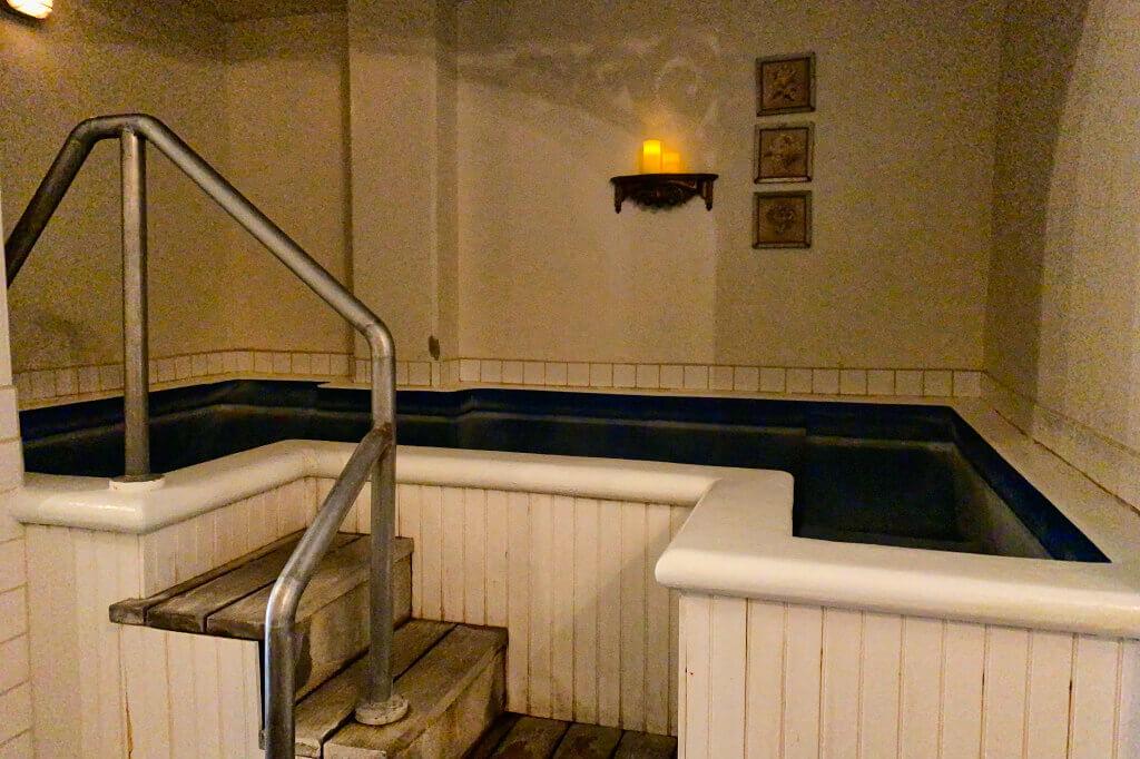 Bath House 4